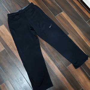 Nike Thema Fit fleece sweatpants